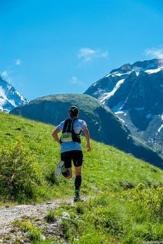 Daily motivation by trail running.