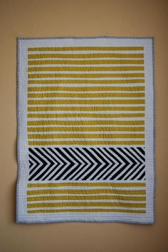 QUILT PATTERN INSPIRATION love this- the stripes, the chevron placement, awesome - blueprint textileslove this- the stripes, the chevron placement, awesome - blueprint textiles Drunkards Path Quilt, Striped Quilt, Chevron Quilt, Geometric Quilt, Quilting Projects, Sewing Projects, Quilting Ideas, Quilting Fabric, Machine Quilting