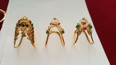 Vanki ring Gold Rings Jewelry, Jewelry Design Earrings, Gold Bangles, Necklace Designs, Gold Jewellery, Pendant Jewelry, Jewelery, Vanki Designs Jewellery, Vanki Ring