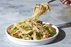 Recipe: 10-Minute Garlicky Tomato Spaghetti — Tomato YOLO