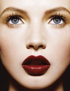 Dark red make up