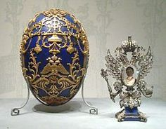 What is a Faberge egg? Russian jeweller, Fabergé, created an annual Easter egg for the Russian Imperial family between 1885 and The bejewelled eggs remain amongst the world's greatest treasures. Alexandra Feodorovna, Fabrege Eggs, La Madone, Faberge Jewelry, Miniature Portraits, Imperial Russia, Imperial Eagle, Imperial Crown, Saint Petersburg