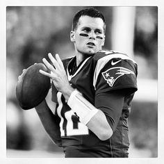 Sorry to all my friends that are Pats fans, but I don't like Tom Brady. The first Super Bowl I watched, he was MVP and accepted a car. I didn't know that was custom, I just thought it was poor sportsmanship. American Football Players, Best Football Team, Patriots Fans, Patriots Football, Super Bowl I, Tom Brady And Gisele, Julian Edelman, Boston Strong, Boston Sports