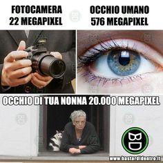 Funny Video Memes, Funny Jokes, Funny Images, Funny Photos, Italian Memes, Bad Humor, Funny Test, Strange Photos, Funny Pins