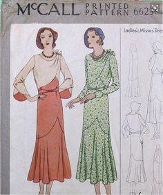 6623 Original patron McCall des années 1930 rare d'une élégante robe avec manches grand et de l'épaule drapé taille 14 par cornehl sur Etsy https://www.etsy.com/fr/listing/257441333/6623-original-patron-mccall-des-annees