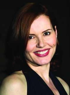Geena Davis: Beetlejuice, Thelma & Louise, A League of Their Own 4c Natural Hair, Natural Hair Styles, Female Actresses, Actors & Actresses, Famous Aquarians, The Long Kiss Goodnight, Longest Kiss, Geena Davis, Movies