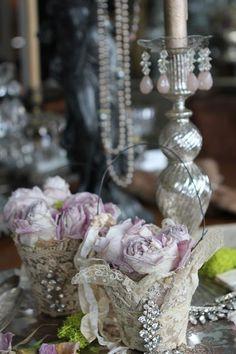 Beautiful lace baskets, such a pretty vignette~❥