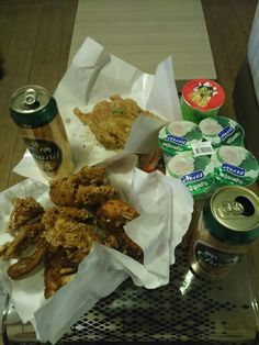 Famous fried chicken, shrimp deep fried pancake, fried oyster and not to be forgotten Chang beer