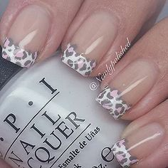 17 French Nails With a Twist – Go wild with animal prints. 17 French Nails With a Twist – Gehen Sie wild mit Tierdrucken. Fabulous Nails, Gorgeous Nails, Love Nails, Fun Nails, Pretty Nails, Easy Nails, Simple Nails, Cheetah Nail Designs, Leopard Print Nails