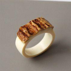 Antler ring Size 9 US Antler rings Antler jewelry Elk by BDSart Deer Antler Crafts, Deer Antler Ring, Antler Art, Antler Jewelry, Bone Jewelry, Wooden Jewelry, Moose Antlers, Bone Crafts, How To Make Rings