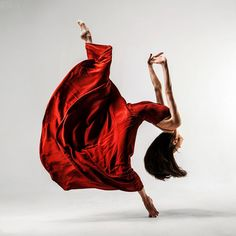 Bright Colors, Athletic, Exciting, Beautiful. Acts of Light : Modern Dance
