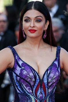 Aishwarya Rai at Cannes Film Festival 2018 Bollywood Heroine, Bollywood Actress Hot, Indian Bollywood, Bollywood Stars, Bollywood Celebrities, Bollywood Fashion, Aishwarya Rai Cannes, Aishwarya Rai Photo, Aishwarya Rai Bachchan
