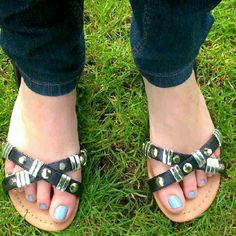 Fashion blogger Louise in #ShoeZone silver detail sandals Style Code: 19145 #fblogger #blogger #fashion #fashionblogger