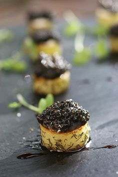 Caviar Recipes, Seafood Pasta, Party Finger Foods, Canapes, Fine Dining, Entrees, Cheesecake, Good Food, Appetizers