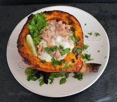 Pečená tekvica s tuniakovým šalátom (fotorecept) - recept   Varecha.sk Salmon Burgers, Baked Potato, Quiche, Potatoes, Baking, Breakfast, Ethnic Recipes, Food, Morning Coffee