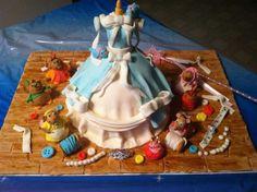 Cinderella cake ...amazing detail