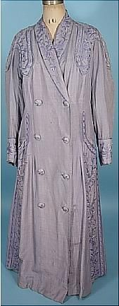 1910-1912 Lavender Embroidered Double-Breasted Silk/Linen Coat