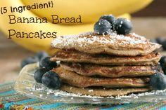 5 Ingredient Banana Bread Pancakes #DailyBites