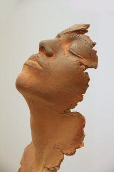 Sculpture Philippe Morel dans la galerie Rollin What's Art ? Human Sculpture, Sculpture Head, Sculptures Céramiques, Pottery Sculpture, Modern Sculpture, Abstract Sculpture, Ceramic Sculptures, Sculpture Portrait, Ceramic Sculpture Figurative