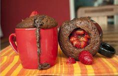 Confira receitas de bolo de caneca que podem ser preparadas em poucos minutos e com diversos ingredientes, desde versões com recheio até saudáveis.