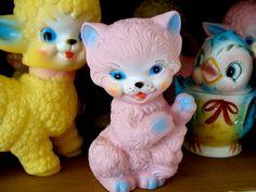 Vintage Toys Vintage Kitsch Kitten Squeak Toy Kitty Cat by reginasstudio - Vintage Baby Toys, Vintage Nursery, Vintage Cat, Vintage Easter, Vintage Love, Vintage Dolls, Vintage Stuff, Kitsch, Diy Doll Kit