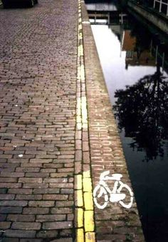 Catastrophic Design Fails That Someone Should Probably Fix ASAP. - http://www.lifebuzz.com/waiting-accidents/