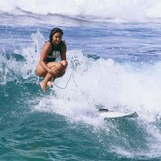 @alessaquizon...surfer + cannon ball master || Photo: @haakeaulana