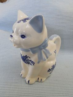 Vintage Cat Creamer Pitcher Blue & White by KKCollectibleCollage, $7.50