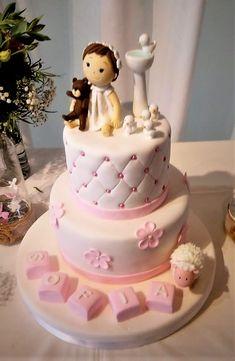 torta bautizo, en rosado con figuras en 3D
