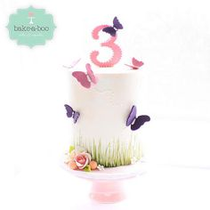 This cake is so perfect to welcome #Spring! #butterfly #gardenparty #cake #bakeaboo#birthdaycake#instacake #satinice | by Bake-a-boo Cakes NZ