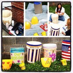 Turn old plastic buckets into garden pots! Garden Pots, Garden Ideas, Plastic Buckets, Arts And Crafts, Diy Crafts, House Plans, Gardens, Craft Ideas, Crafty