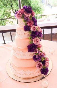 Purple cake wedding discovered by gabidino on We Heart It Elegant Wedding Cakes, Beautiful Wedding Cakes, Beautiful Cakes, Amazing Cakes, Lily Wedding, Purple Wedding, Dream Wedding, Beautiful Cake Pictures, Create A Cake