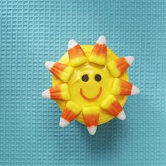 You Are My Sunshine: Sunshine Cupcakes. These look so easy to decorate too! Yellow frosting, candy corn and a couple of decorator tubes of icing. Cute Cupcakes, Cupcake Cookies, Summer Cupcakes, Cupcake Cupcake, Cupcake Ideas, Summer Desserts, Watermelon Cupcakes, Sugar Cookies, Party Cupcakes