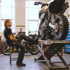 . Chamber-K: Work Pants with Removable Kevlar Reinforced Liner www.uglybrosusa.com/shop . @abuses_of_power | @shaikridzwan . #uglybros_usa #uglybrosusa #ubusa #motorcycle #kevlar #workpants #ktm #ktm990 #dualsports #adventure #advrider #customktm...