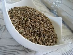 Increase your metabolic efficiency by eating cumin. This will help you lose weight and burn fats. How To Dry Basil, Pakistani, The Help, Lose Weight, Vegetarian, Tasty, Herbs, Indian, Fresh