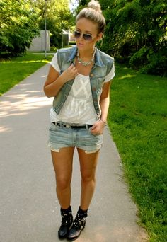 SACHA // Biker boots in Festival outfit by fashion blogger mirfashion.blospot.nl