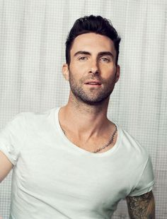 That's a hard groupie move, but I don't even care! I like the look, @adamlevine