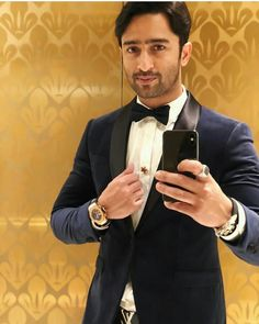 Shaheer Sheikh # man in Black # handsome. Tv Actors, Actors & Actresses, Navratri Dress, Most Handsome Actors, Shaheer Sheikh, Zain Imam, Twitter Trending, Queen Fashion, Actor Photo