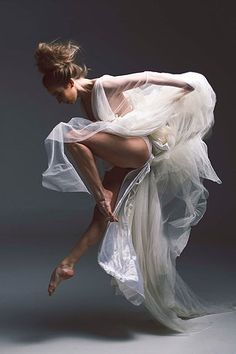Gorgeous Ballet Dancer Exquisite form and grace. Gorgeous Ballet Dancer Exquisite form and grace. Shall We ダンス, Ballet Russe, Alvin Ailey, Dance Movement, Ballet Photography, Amazing Dance Photography, Human Body Photography, Photography Ideas, Fabric Photography