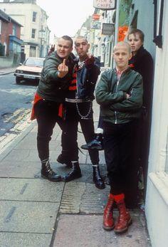 Skinheads in Brighton: Bei Skins waren Bomberjacken äußerst beliebt. Sie waren...