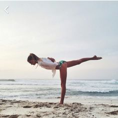 🌻Fit and Healthy🌻 - solluznet Source You are in the right place about bedtime Yoga H Yoga Photos, Yoga Pictures, Yoga Journal, Yoga Flow, Yoga Meditation, Yoga Fitness, Photo Yoga, Yoga Position, Yoga Nature