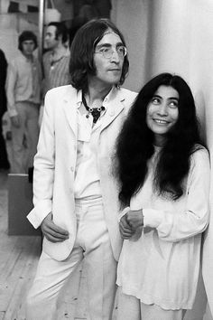"""July 1, 1968  John Lennon and Yoko Ono launch art exhibition """"You Are Here"""" took place at the Robert Fraser Gallery, London"""