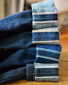 Men's Fashion – How to Nail Office wear – Designer Fashion Tips Raw Denim, Denim Jeans, Levis, Denim Display, Estilo Denim, Denim Art, Clothing Photography, Denim Outfit, Denim Fabric