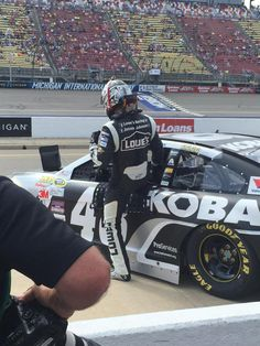 .@JimmieJohnson hops out of the car for a quick debrief with Chad Knaus.
