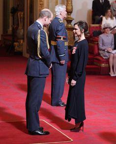 Victoria Beckham zdobyła order od Królowej. Za co? Fani oburzeni - Plejada.pl