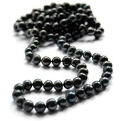 Musta makeanveden helminauha (pitkä malli) #mustathelmet #helminauha Malli, Pearls, Black, Black People, All Black, Pearl, Pearl Beads, Beads