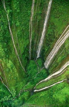 Waimanu Valley, The River of Birds - Hawaii, (Big Island)