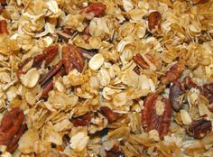 Did you know that making homemade granola is easy and costs very little? Try this recipe for homemade granola, and you'll never go back to store-bought! Other Recipes, Real Food Recipes, Snack Recipes, Savory Snacks, Candy Recipes, Yummy Snacks, Breakfast Pie, Breakfast Ideas, Healthy Snack Options