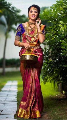 Indian Bride Photography Poses, Indian Bride Poses, South Indian Bride, Wedding Saree Blouse Designs, Blouse Designs Silk, Saree Wedding, Indian Bridal Makeup, Indian Bridal Fashion, Indian Wedding Outfits