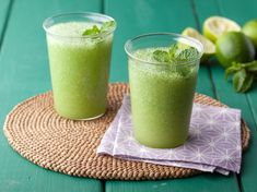 Frozen Mojito Recipe : Bobby Flay : Food Network - FoodNetwork.com  frosty alcoholic drink http://www.foodnetwork.com/recipes/bobby-flay/frozen-mojito-recipe.html